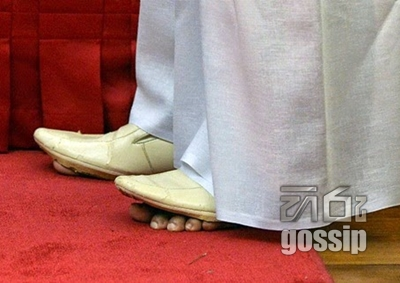 Minister reveals the truth behind his shoes