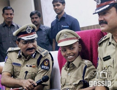 10-Yr-Olds Wish Comes True, Becomes Police Commissioner for a Day
