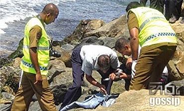 Dead body found in wellawaththa beach